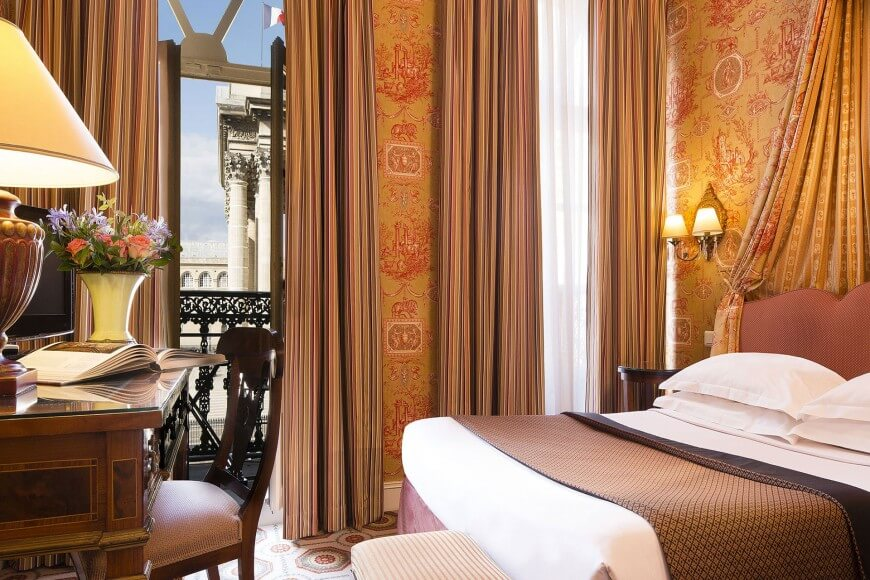 Superior Pantheon Balcony Room